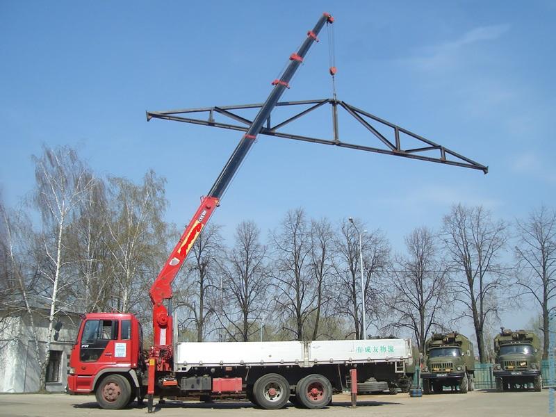 Перевезення металоконструкцій маніпулятором в Рівне)